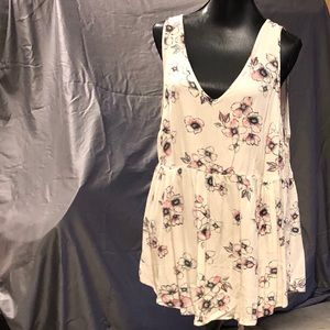 NWT Torrid back-laced floral blouse
